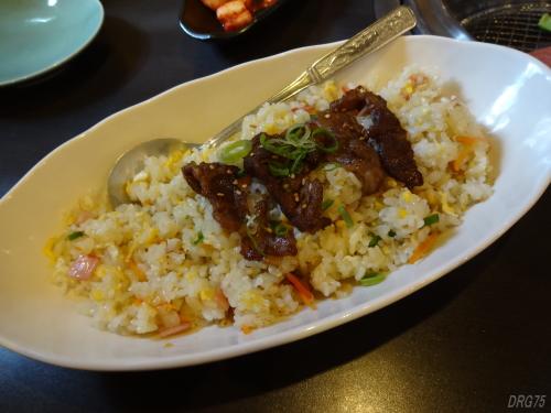 奈良の焼肉八七の炒飯