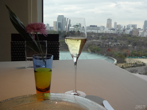 シャンパン大阪城