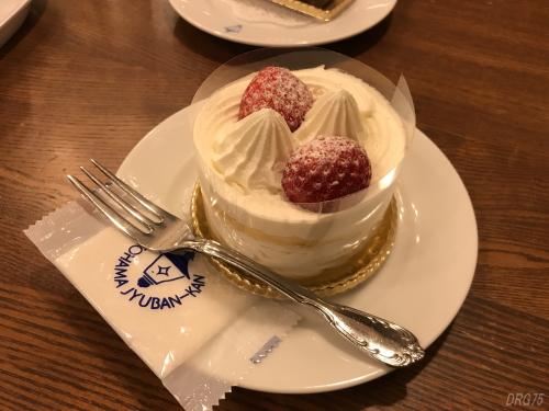 馬車道十番館ショートケーキ