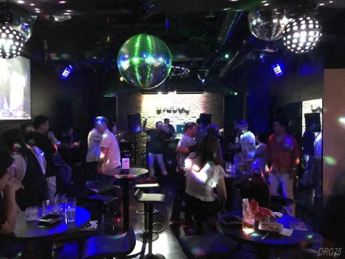 横浜のクラブDISCOGroovy