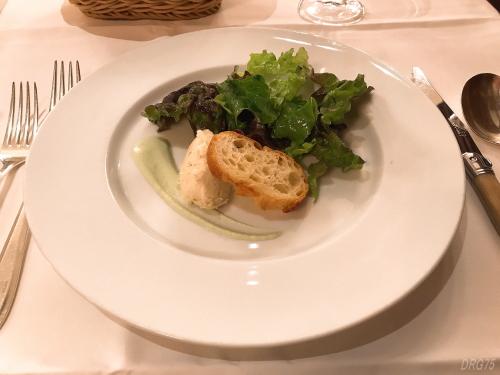 帝国ホテルのブラスリーの前菜