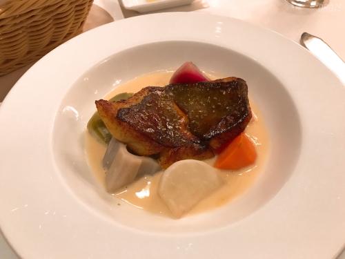 帝国ホテルのブラスリーの魚料理