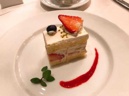 帝国ホテルのブラスリーのケーキ