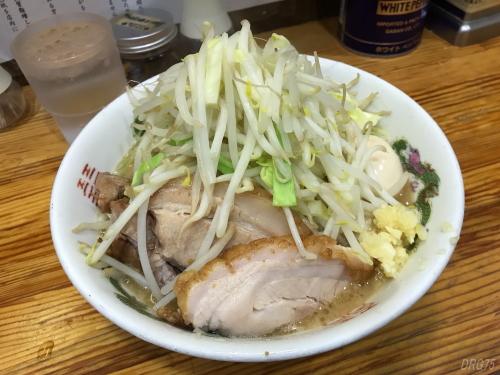 横須賀中央ラーメン神豚