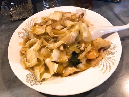 鳳林園の中華丼