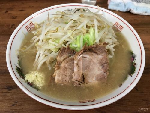 品川ラーメン二郎の麺半分ヤサイ