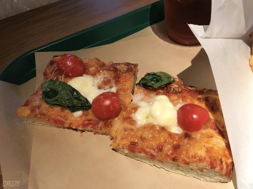 シャル横浜のピザのロマーノ