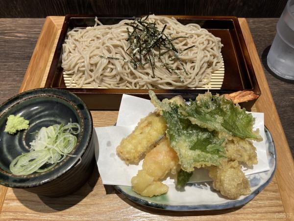 新横浜の蕎麦いまい天せいろ